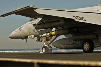 - - USA - Navy McDonnell Douglas F/A-18C Hornet