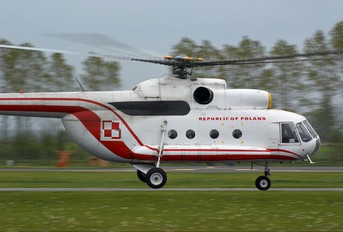 660 - Poland - Air Force Mil Mi-8P