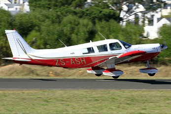 ZS-ASH - Private Piper PA-32 Cherokee Six
