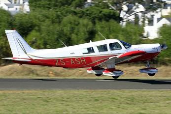 ZS-ASH - Private Piper PA-32 Cherokee Six