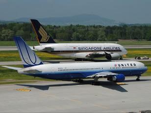 N649UA - United Airlines Boeing 767-300ER