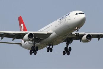 TC-JII - Turkish Airlines Airbus A340-300