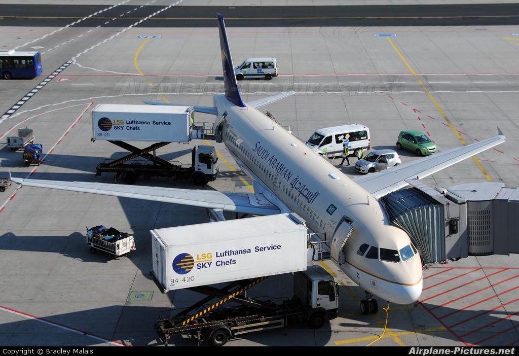 Saudi Airlines Airbus A320 Saudi Arabian Airlines Airbus