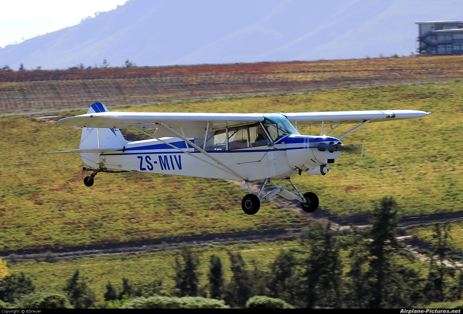 Private ZS-MIV aircraft at Stellenbosch