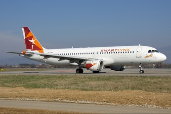 YL-LCD - SmartLynx Airbus A320