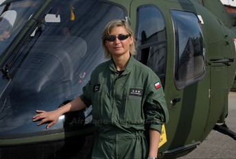 - - - Aviation Glamour - Aviation Glamour - Military Personnel