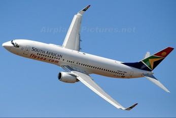 ZS-SJU - South African Airways Boeing 737-800