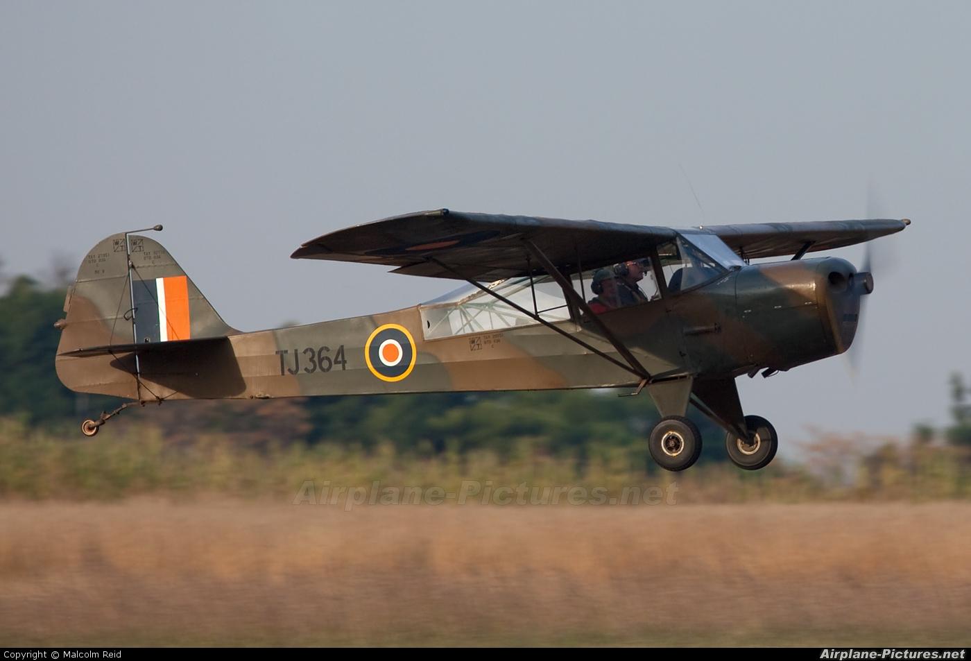 Private ZS-VWP aircraft at Swartkops