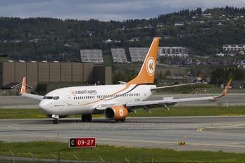 G-STRN - Iceland Express Boeing 737-700