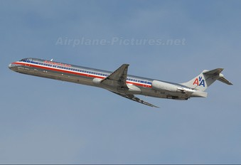 N473AA - American Airlines McDonnell Douglas MD-82