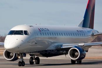 N621CZ - Delta Connection - Compass Airlines Embraer ERJ-175 (170-200)