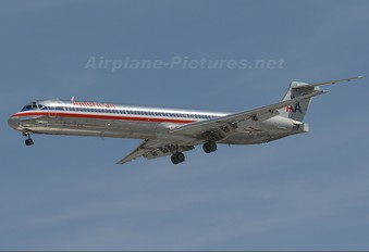 N948TW - American Airlines McDonnell Douglas MD-83