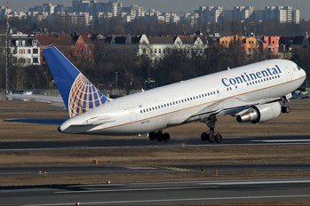 N67158 - Continental Airlines Boeing 767-200ER