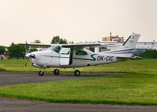 OK-CIC - Private Cessna 210 Centurion