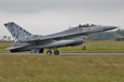 15106 - Portugal - Air Force General Dynamics F-16A Fighting Falcon aircraft