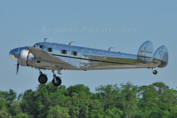 N2072 - Private Lockheed 12 Electra Junior
