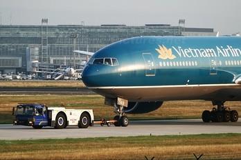 VN-A149 - Vietnam Airlines Boeing 777-200ER