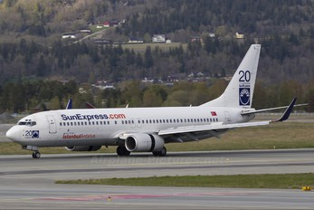 TC-SUL - SunExpress Boeing 737-800
