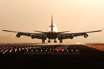 9M-MPK - Malaysia Airlines Boeing 747-400