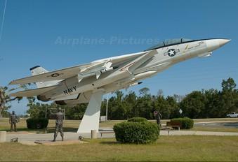 157984 - USA - Navy Grumman YF-14A Tomcat