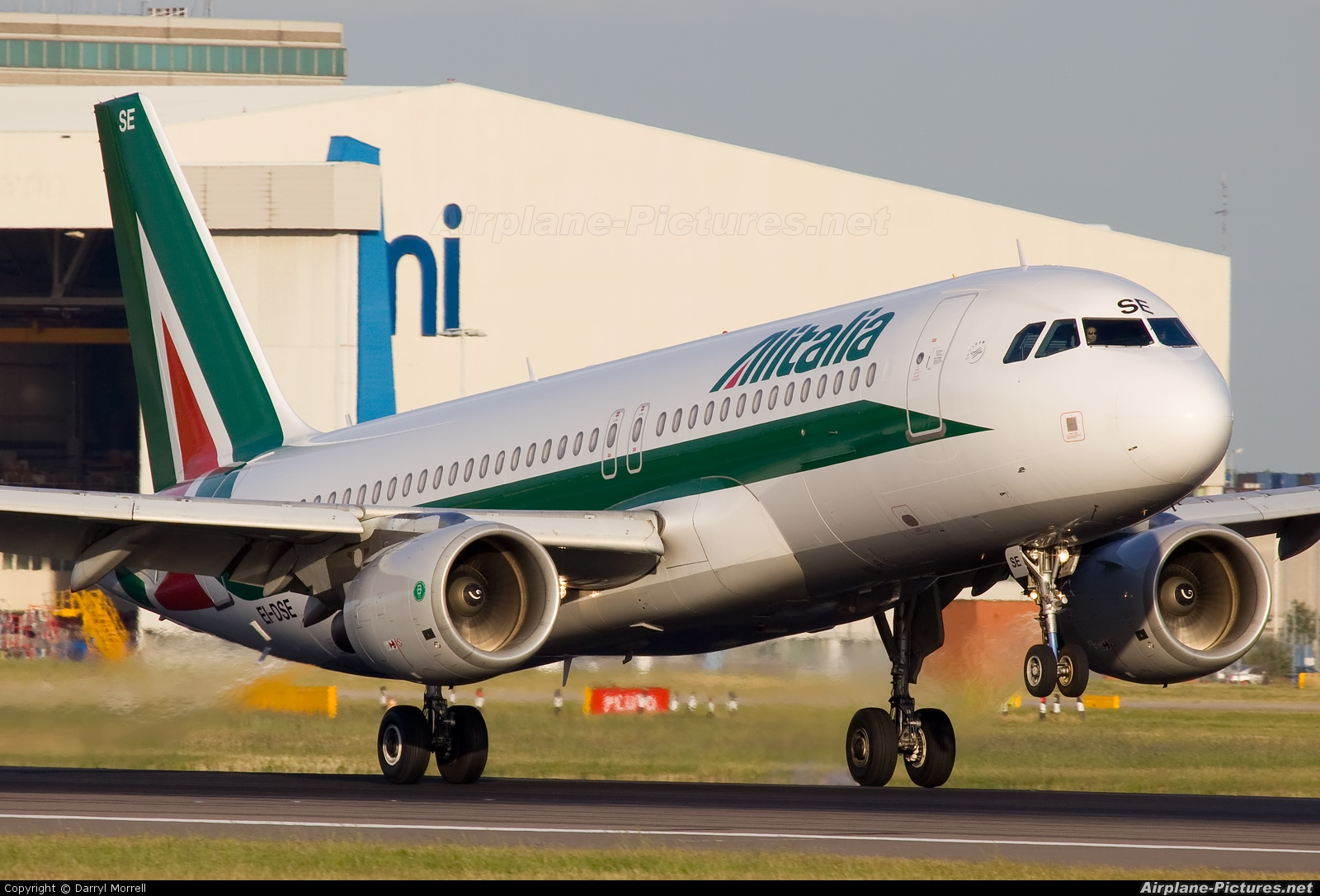 Alitalia EI-DSE aircraft at London - Heathrow