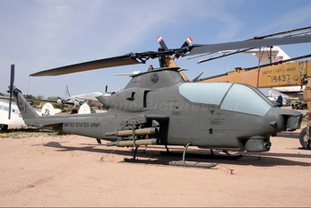 70-15985 - USA - Army Bell AH-1S Cobra