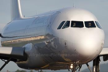 EI-EZR - Meridiana fly Airbus A320