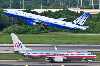 N552UA - United Airlines Boeing 757-200