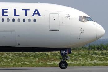 N842MH - Delta Air Lines Boeing 767-400ER