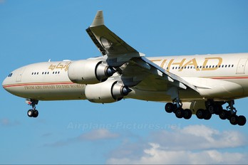 A6-EHL - Etihad Airways Airbus A340-600