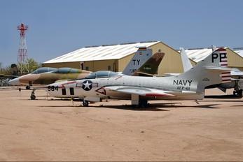 144426 - USA - Navy Grumman F-9 Cougar