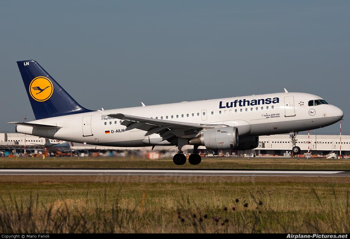 Lufthansa D-AILN aircraft at Milan - Malpensa