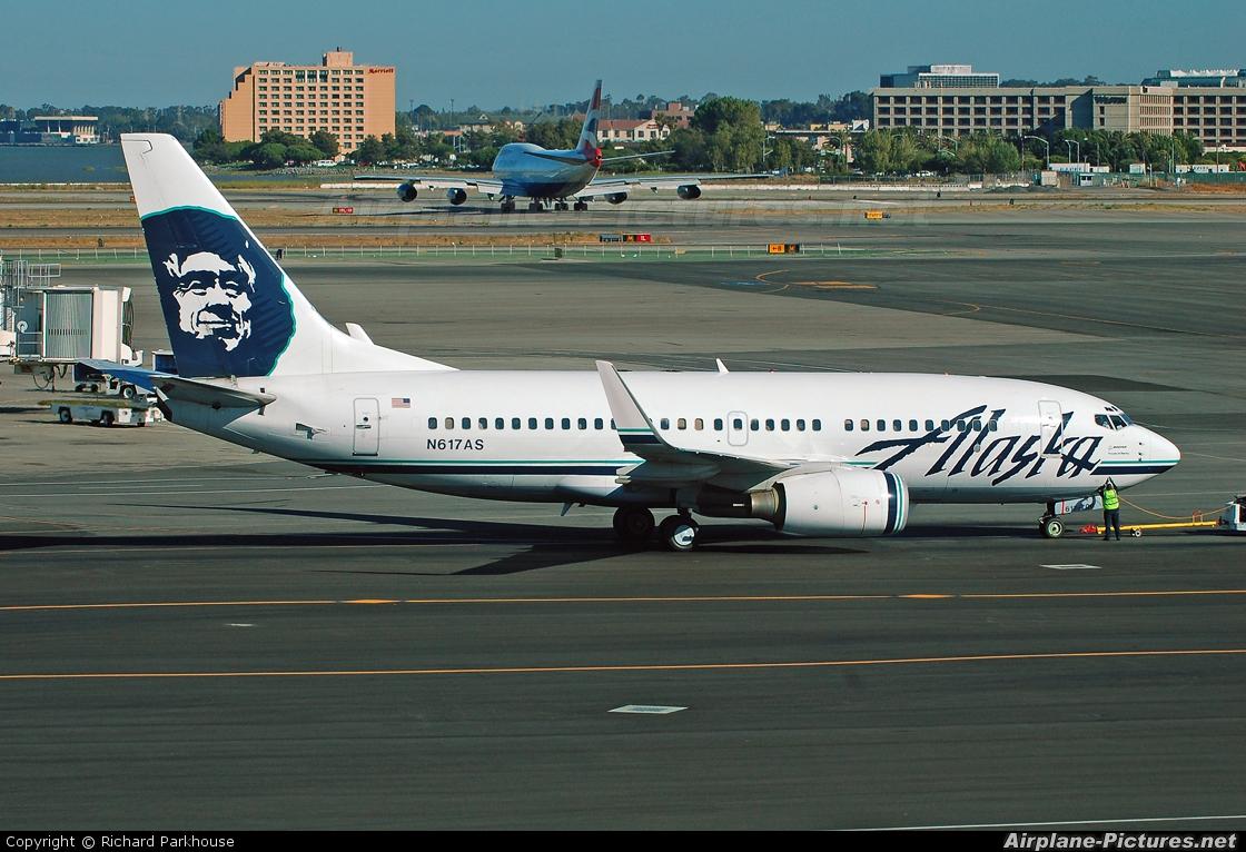 Alaska Airlines N617AS aircraft at San Francisco Intl