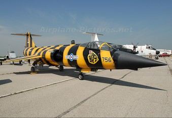 104756 - Canada - Air Force Canadair CF-104 Starfighter