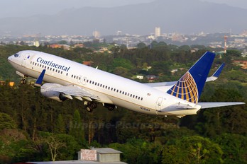 N33284 - Continental Airlines Boeing 737-800