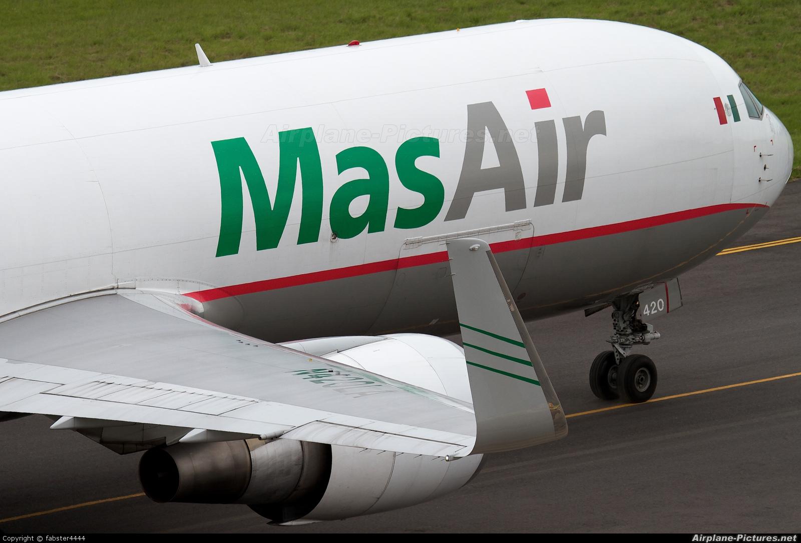 MasAir N420LA aircraft at San Jose - Juan Santamaría Intl