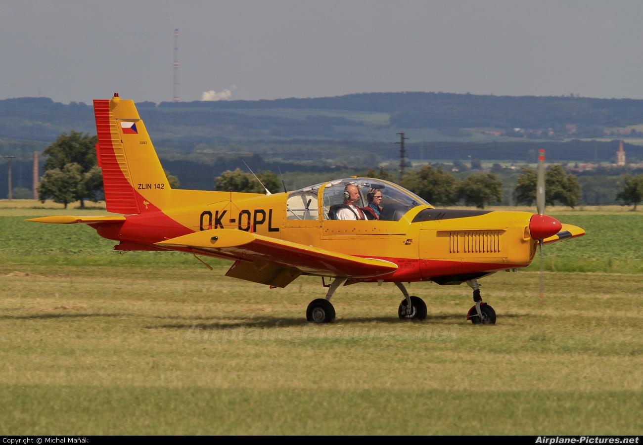 Private OK-OPL aircraft at Kolín