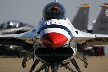 92-3896 - USA - Air Force : Thunderbirds General Dynamics F-16C Fighting Falcon