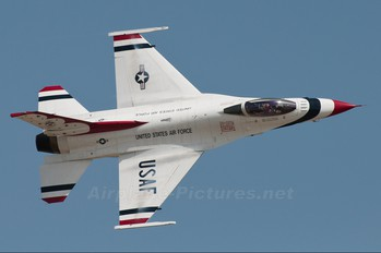 92-3898 - USA - Air Force : Thunderbirds General Dynamics F-16C Fighting Falcon