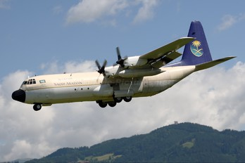 HZ-128 - Saudi Arabia - Royal Flight Lockheed L-100 Hercules
