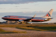 N916AN - American Airlines Boeing 737-800 aircraft
