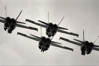- - USA - Navy : Blue Angels McDonnell Douglas F/A-18C Hornet