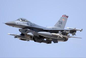92-3910 - USA - Air Force General Dynamics F-16CJ Fighting Falcon