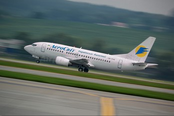 UR-VVQ - Aerosvit - Ukrainian Airlines Boeing 737-500