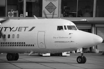 OO-VLI - CityJet Fokker 50