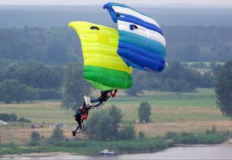 - - Aeroklub Ziemi Mazowieckiej Parachute Parachutist