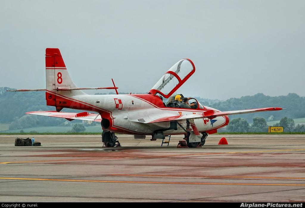 Poland - Air Force: White & Red Iskras 2004 aircraft at Kraków - John Paul II Intl