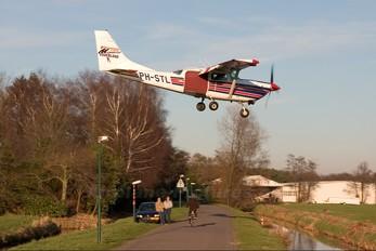 PH-STL - Paracentrum Midden-Nederland Cessna 206 Stationair (all models)