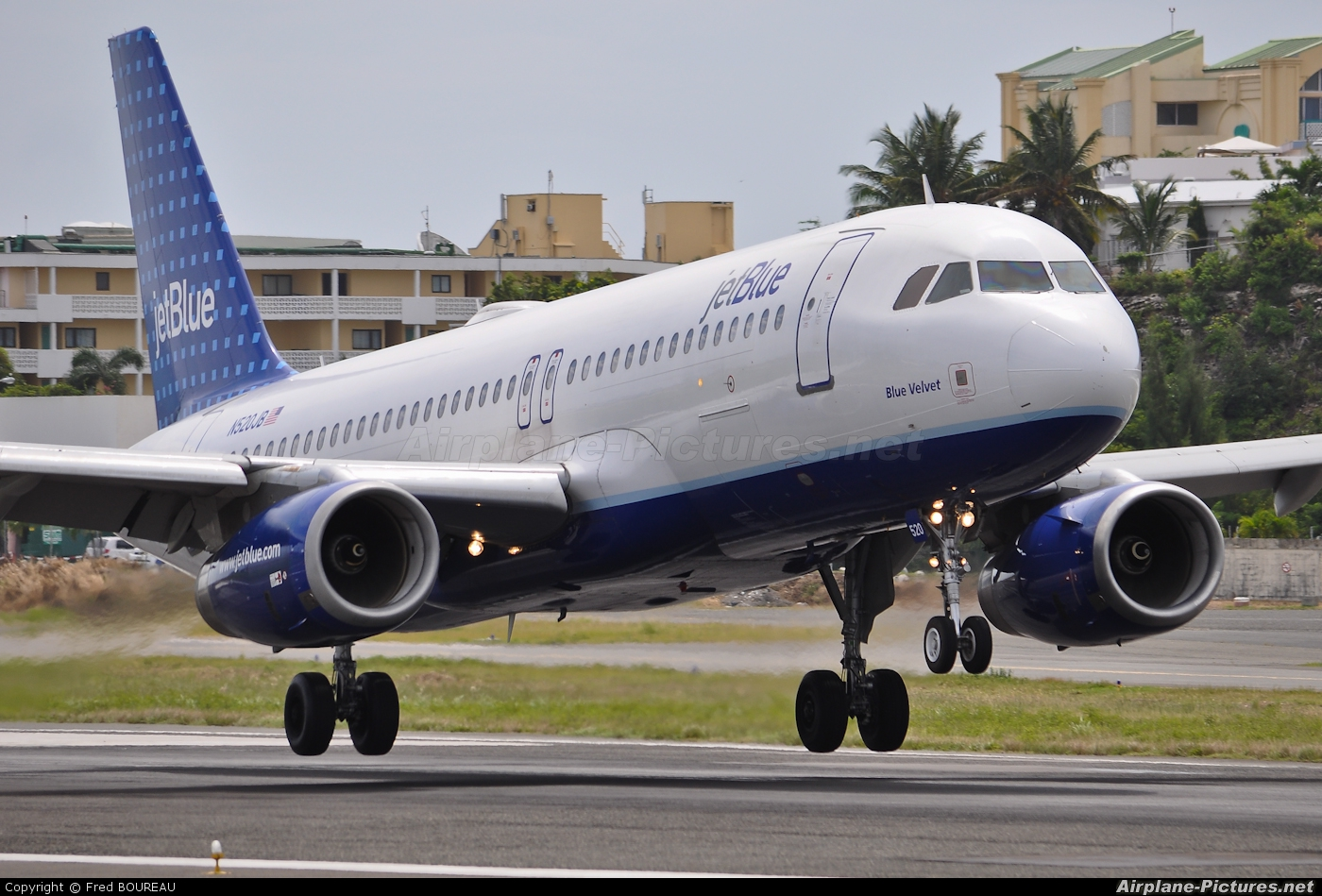 JetBlue Airways N520JB aircraft at Sint Maarten - Princess Juliana Intl