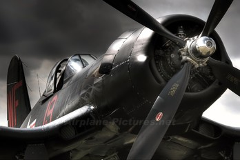 F-AZYS - Private Vought F4U Corsair